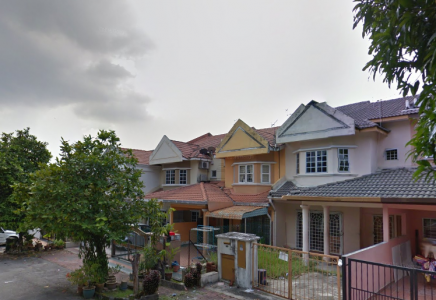 Double storey Jalan Ferum seksyen 7 Shah Alam for sale!