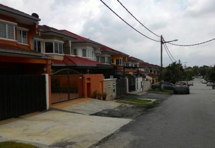 Double storey Jalan Sepah Puteri Seri Utama Kota Damansara
