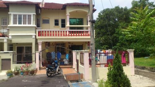 2 Storey Terrace Taman Puchong Jaya, Puchong For Sale!