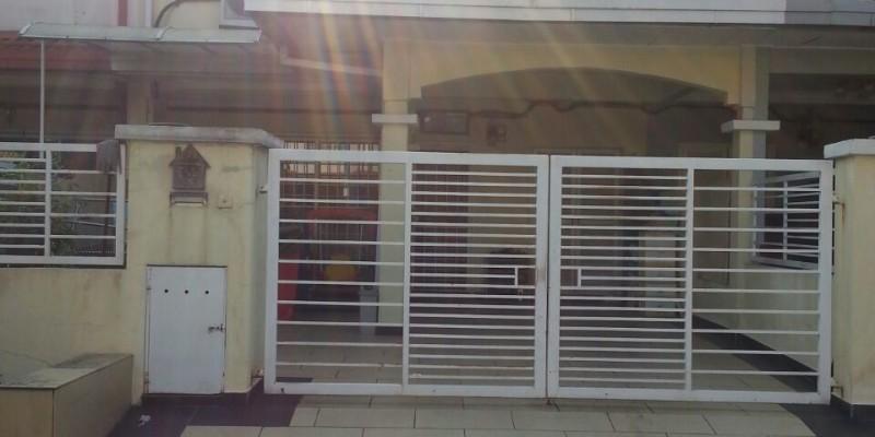 2Sty Terrace Jalan Suadamai Bandar Tun Hussein Onn For Sale!