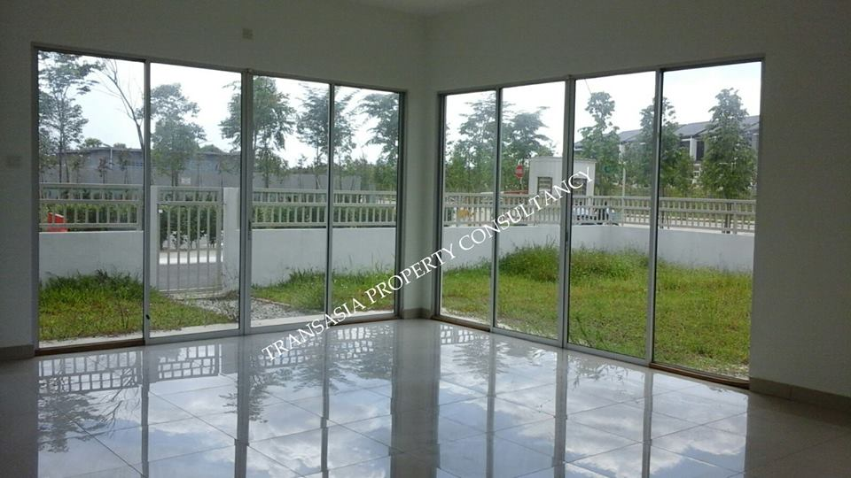 2Sty Terrace Ariza Elmina East For Sale!
