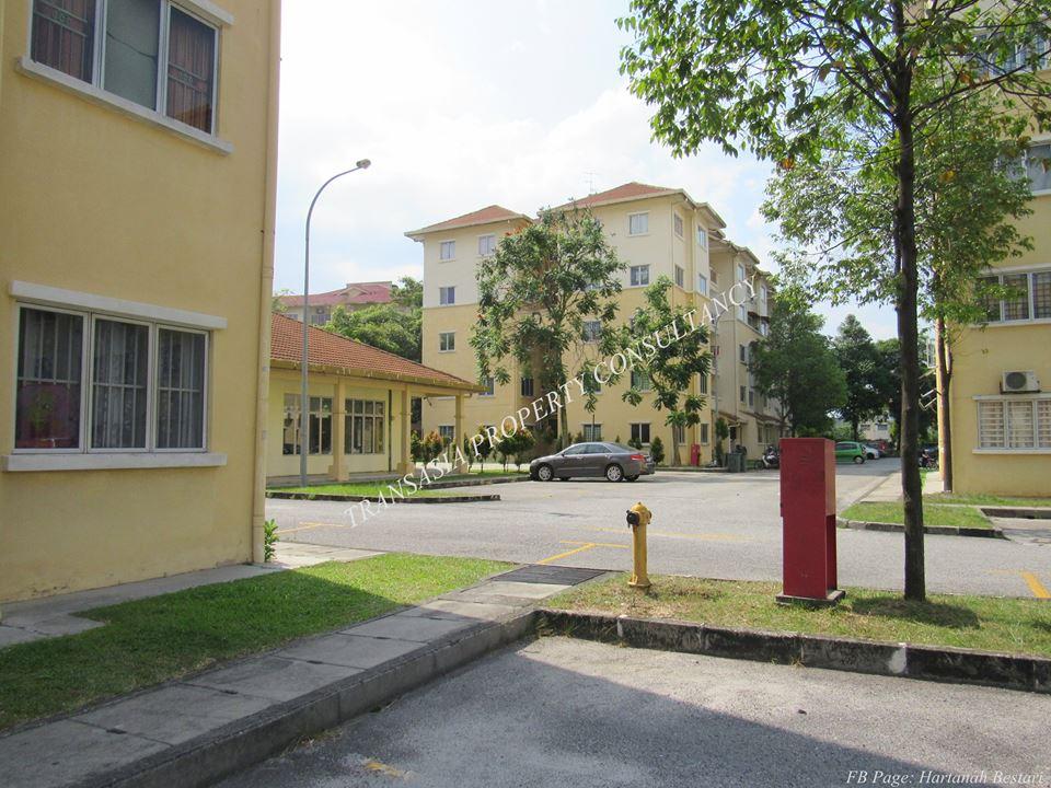 Seri Jati Apartment Jalan PH 4, Puchong Hartamas