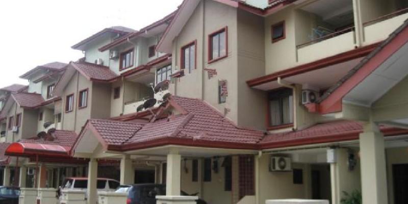 2Sty  Townhouse Villa Taman Tasik Bandar Seri Permaisuri