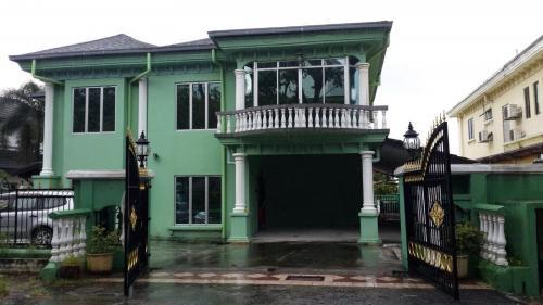 2 storey Bungalow Taman Bukit Saga Section 26 Shah Alam