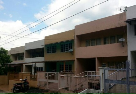 Taman Kesuma Ampang Three and Half Storey