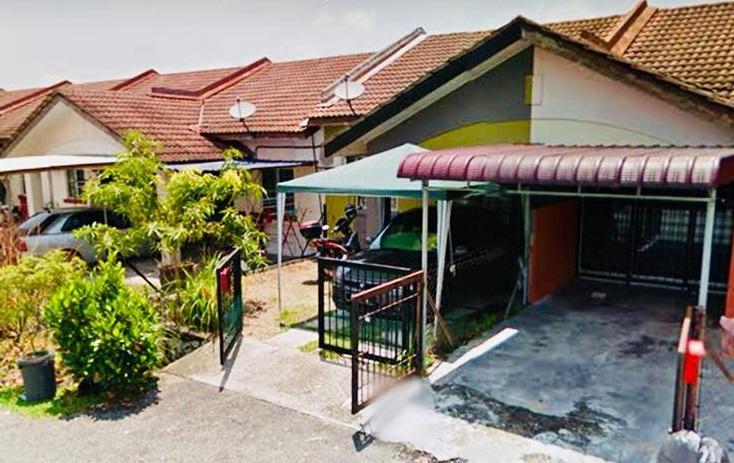 Teres Setingkat, Bandar Bukit Mahkota, Bangi (Dekat Surau)