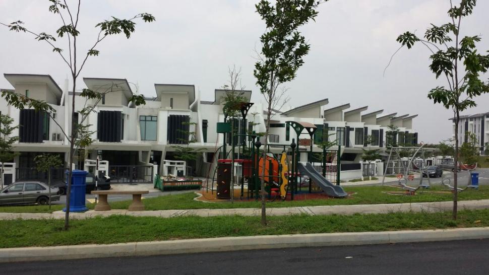 2 Sty Terrace Laman Glenmarie Shah Alam