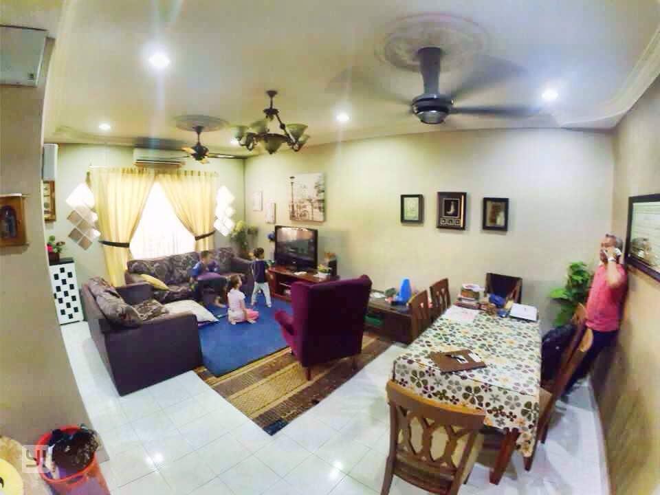 2 stry terrace house(intermediate) taman bukit subang shah alam