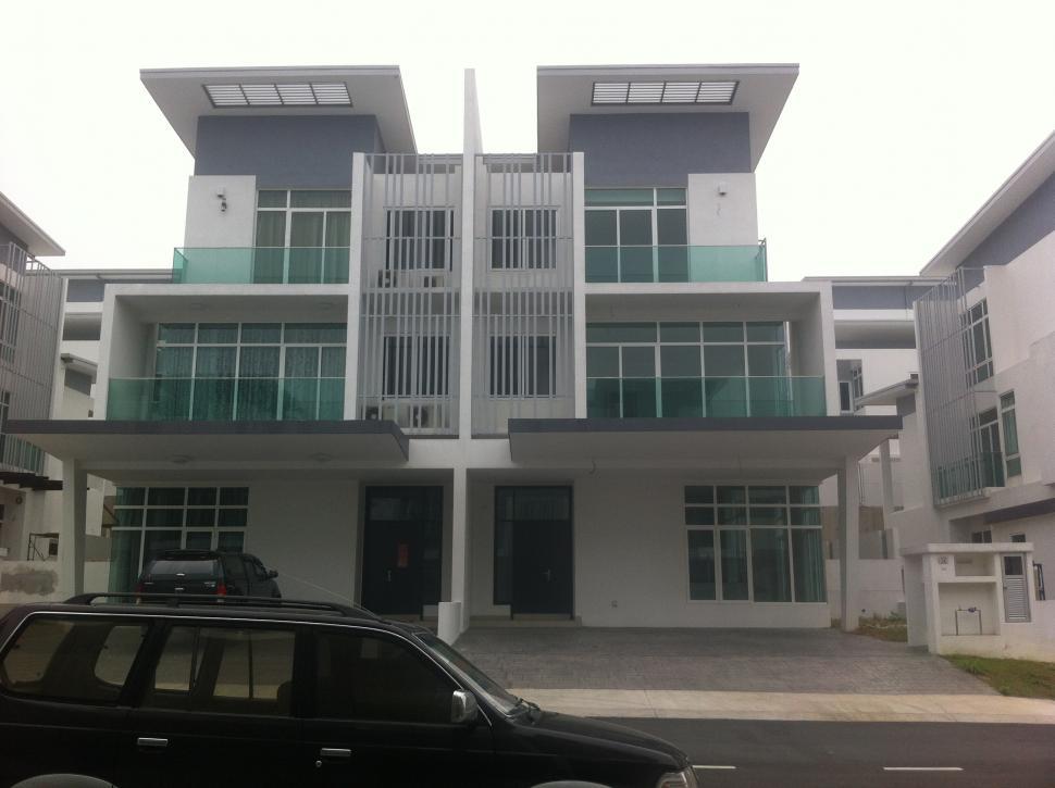 3 Stry Semi-D Clover Garden Residence, Cyberjaya