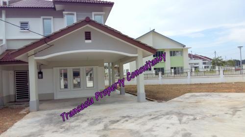 2 storey corner @ Alam Suria, Bandar Puncak Alam