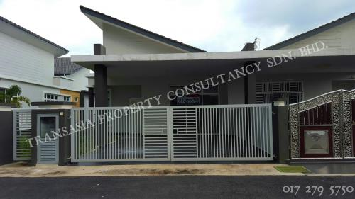 2.5 Storey Semi-Detached House, Residence Hills, Taman Tuanku Ja'afar, Senawang