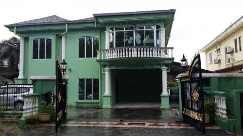 2 storey Bungalow Taman Bukit Saga Section 26 Shah Alam