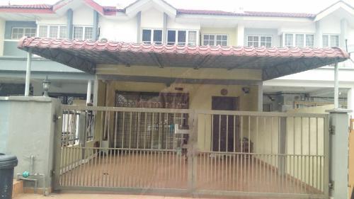 Double Storey Taman Puchong Utama